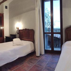 Casa Cerio - Casa Rural en Navarra - Habitaciones - 05 - Los Gatos - 00
