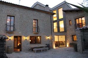Casa Cerio - Casa Rural en Navarra - Patio - 01