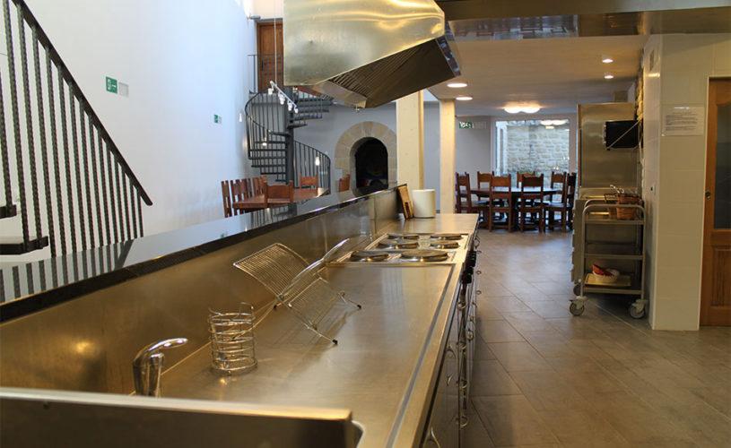 Casa Cerio - Casa Rural en Navarra - Txoko Loft - Cocina para muchos - 02